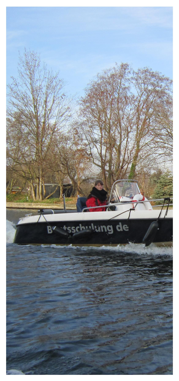 Gutschein für einen Bootsführerschein Motiv Bootsschulung2