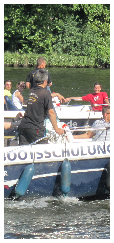 Gutschein für einen Bootsführerschein Motiv Bootsschulung